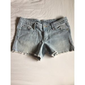 Frayed Lightwash Demin Shorts